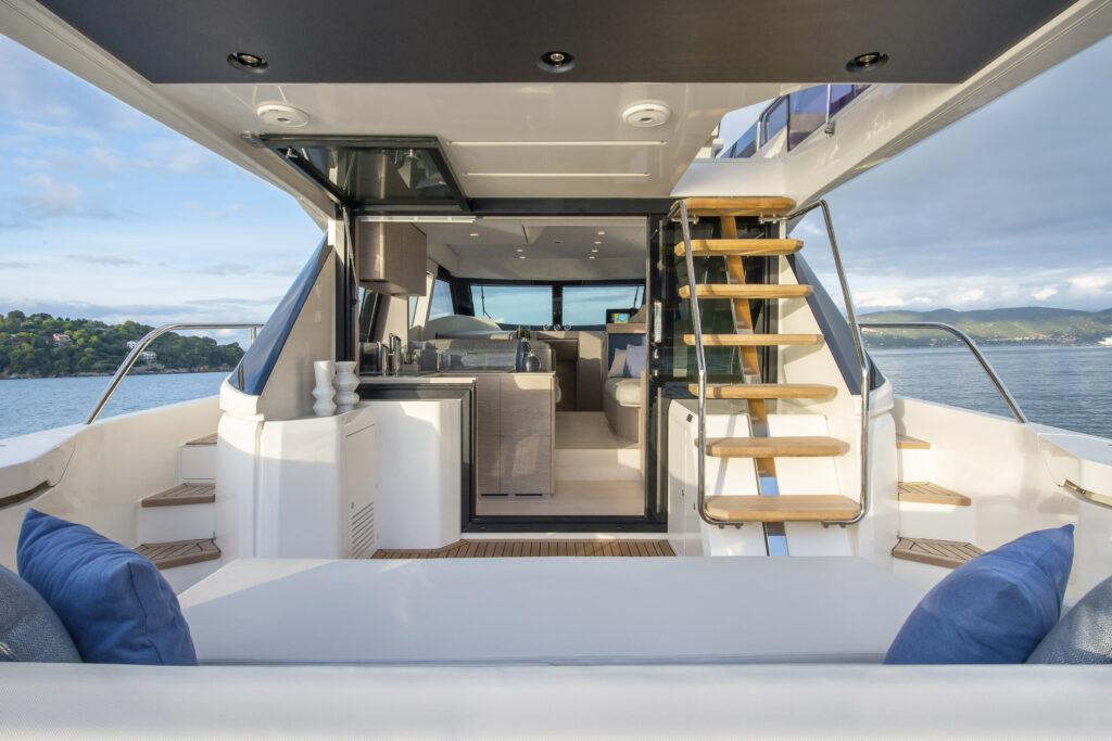 Interni Ferretti Yachts 500